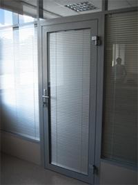 Двери и входные группы из алюминиевого профиля